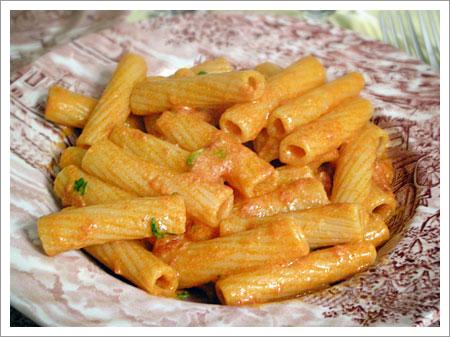 Pasta alla vodka - Le ricette di cucina semplici e gustose! www ...